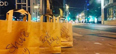 Brits restaurant zet iedere dag eten op de stoep voor daklozen