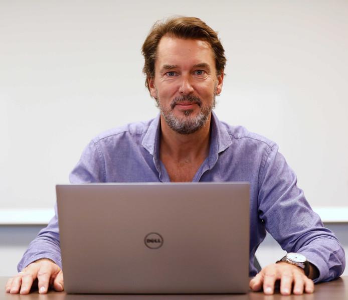 Ronald Prins, een van de oprichters van internetbeveiligingsbedrijf Fox-IT, is ook lid van de speciale commissie.