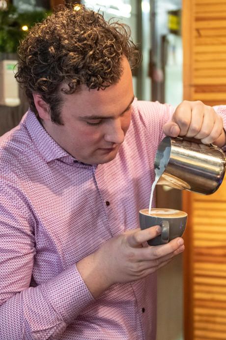 Voor Goorse barista Niels is koffie veel meer dan een druk op de knop