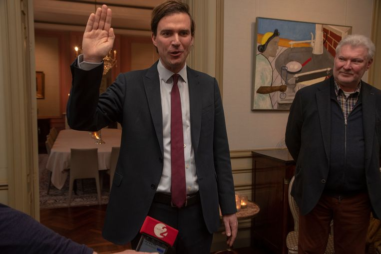 Mathias De Clercq heeft in Gent de eed afgelegd als burgemeester in aanwezigheid van zijn gezin en zijn vader Yannick