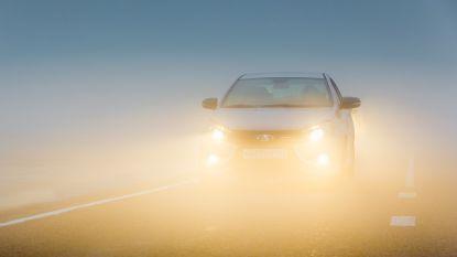 KMI waarschuwt vanochtend voor dichte mist en gladheid: opletten op de weg