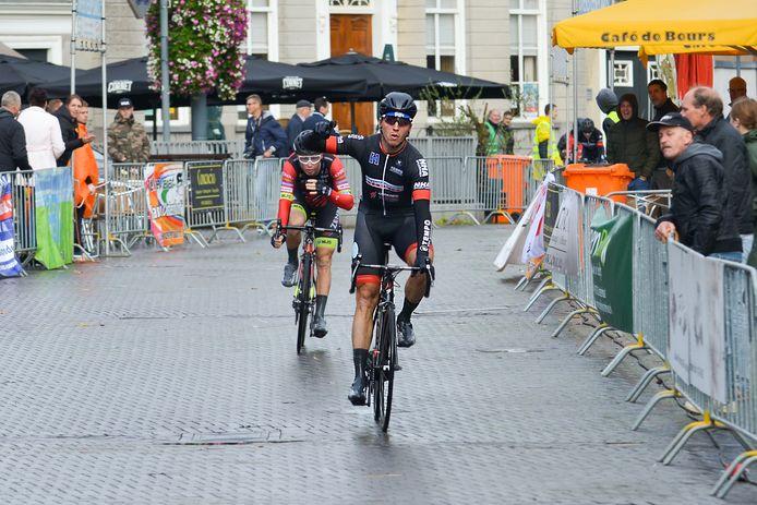 Wielerronde Hart van Oosterhout - winnaar Jos Koop. foto: Else Loof / Pix4Profs