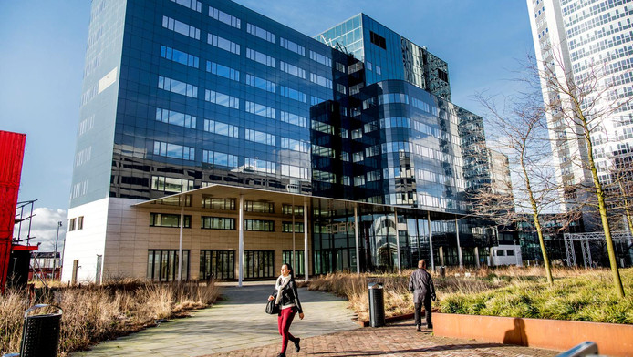 Het Spark-gebouw in Sloterdijk is het tijdelijk onderkomen van het Europees Geneesmiddelenbureau.