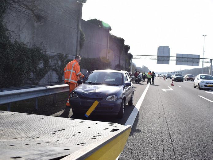 Ongeluk met motor en auto op A2 bij Nieuwegein.
