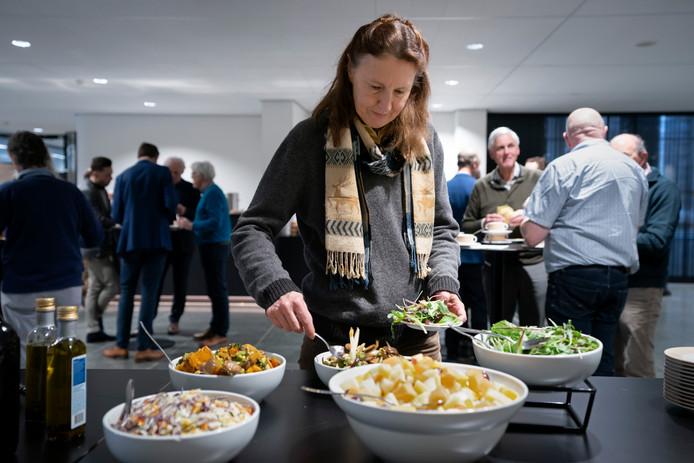 De provincie serveerde vrijdag voor de gelegenheid een lunch met restjes.