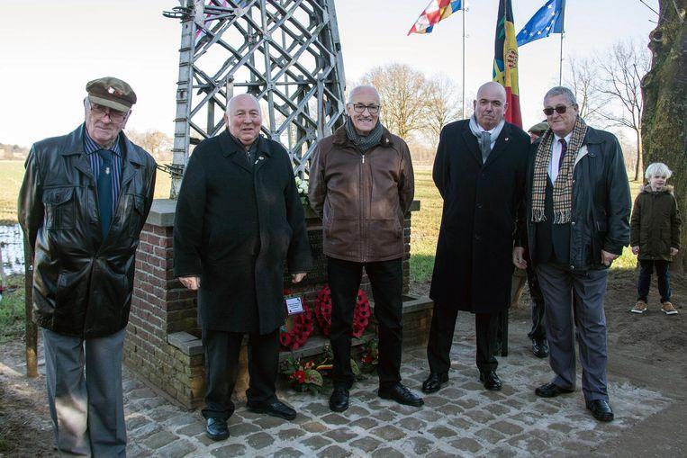 V.l.n.r. : Andrew Mansen, James Harris, André Van Genechten, John Flint en Rod Slack.