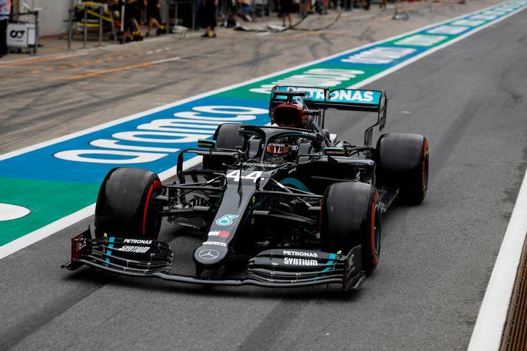 Lewis Hamilton gisteren aan het werk tijdens de vrije oefenritten.
