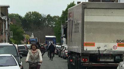 """Bewoners Debruyne- en Leopoldstraat zijn ten einde raad: """"Waarom luistert de stad niet?"""""""