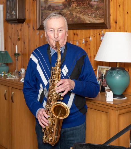 Kees de Munnik al 70 jaar actief bij de harmonie. 'Ik pieker er niet over mijn lidmaatschap op te zeggen'