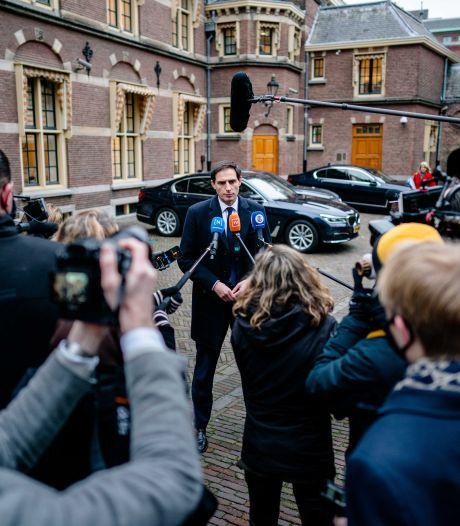 Spanning is om te snijden, zal kabinet-Rutte III (netjes) vallen?