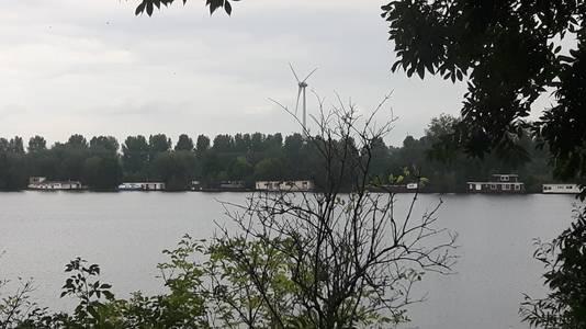 De windmolen bij Treurenburg. (De nieuwe windmolens worden waarschijnlijk bijna 50 meter hoger)