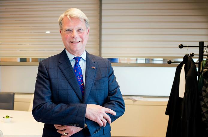 Jan Wolter-Wabeke in het Paleis van Justitie van Den Haag.