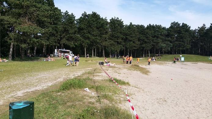 Een deel van het zwemgebied werd door de politie afgezet.
