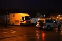 Eenheden staan paraat op het politie bureau in Cuijk en bij de Brandweer in Grave.