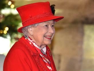 """Britse Queen in opspraak door opgerakelde wantoestanden in 'The Crown': """"Haar gehandicapte nichtjes moesten wel worden doodgezwegen"""""""