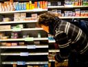 Paracetamol is populair in Nederland. Tijdens de coronacrisis werd de pijnstiller op grote schaal gehamsterd.