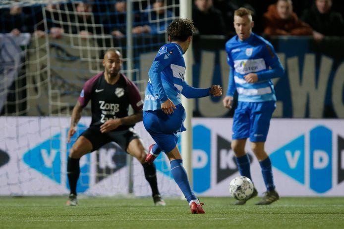 De 3-3 van Yuta Nakayama in de maak. De Japanse verdediger bezorgde laagvlieger PEC Zwolle met zijn late treffer een punt tegen FC Utrecht, in het allereerste eredivisieduel van 2020.