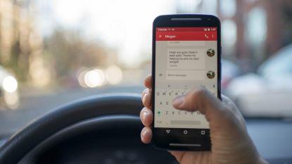 """CD&V heeft plan om smartphonegebruik in verkeer te weren: """"Zwaardere boetes geven"""""""
