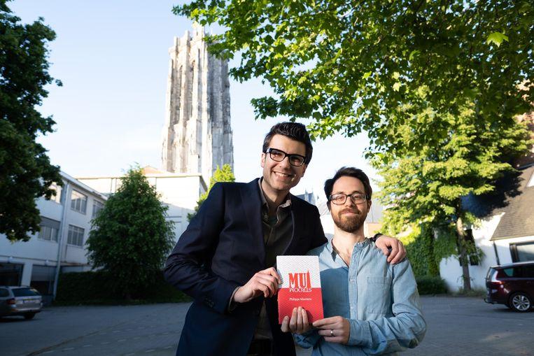 Auteur Philippe Maertens (rechts) met uitgever Inan Akbas