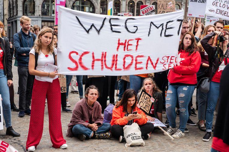 Studentenprotest op de Dam, tegen het plan van minister Van Engelshoven om studenten meer rente te laten betalen op studieleningen. (14 september) Beeld ANP