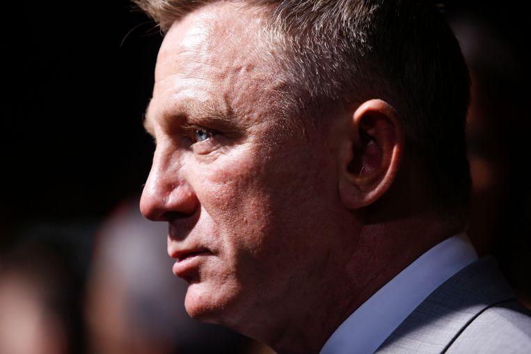 Daniel Craig vindt het maar niks dat de liefjes van 007 'Bond-girls' worden genoemd. De 51-jarige acteur, die vijf keer in de huid kroop van James Bond, omschrijft de vrouwen in de films zelf dan ook niet zo. Dat vertelt hij in het tijdschrift Vanity Fair.