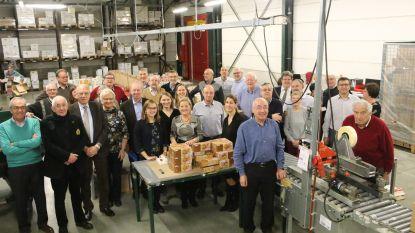 Lions Club pakt 200 dozen in voor hulpbehoevenden