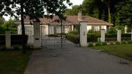 Voor véél minder dan gehoopt, maar na 9 jaar is villa van de Pfaffs eindelijk verkocht