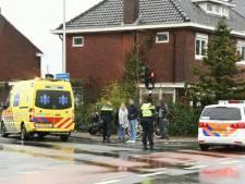 Twee gewonden bij aanrijding in Enschede, weg deels afgesloten