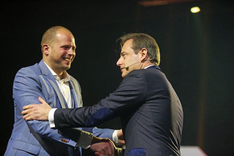 De twee populairste politici van Vlaanderen: Theo Francken en Bart De Wever.