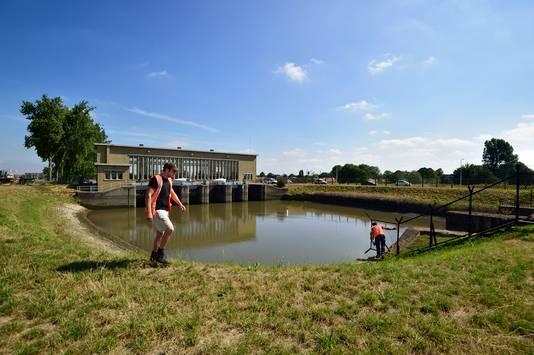 Het gemaal aan de Schielands Hoge Zeedijk. Gouda is een flessenhals, weet droogte-expert René van der Zwan van het Hoogheemraadschap Rijnland.