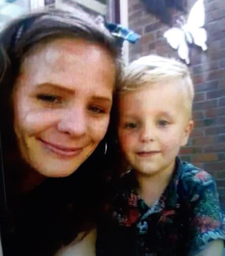 Evelien en haar zoontje Jaylano Noah worden sinds donderdag vermist uit Heerenveen.
