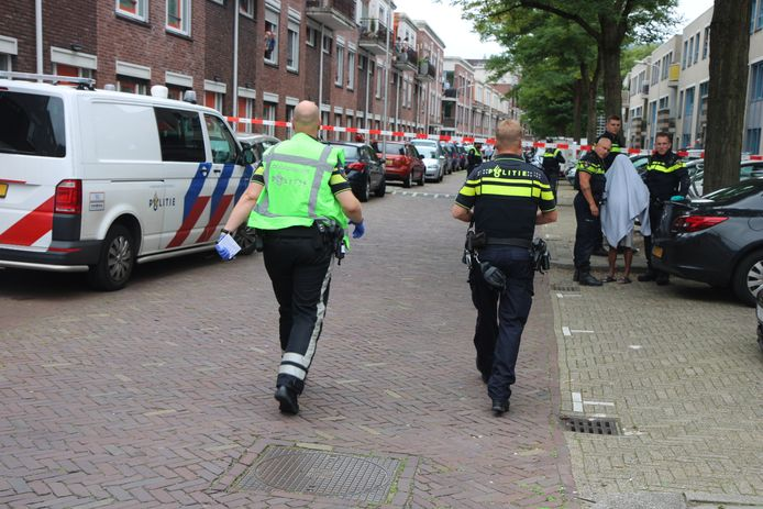 De omgeving was na het steekincident aan De Colignystraat in Delft afgezet.