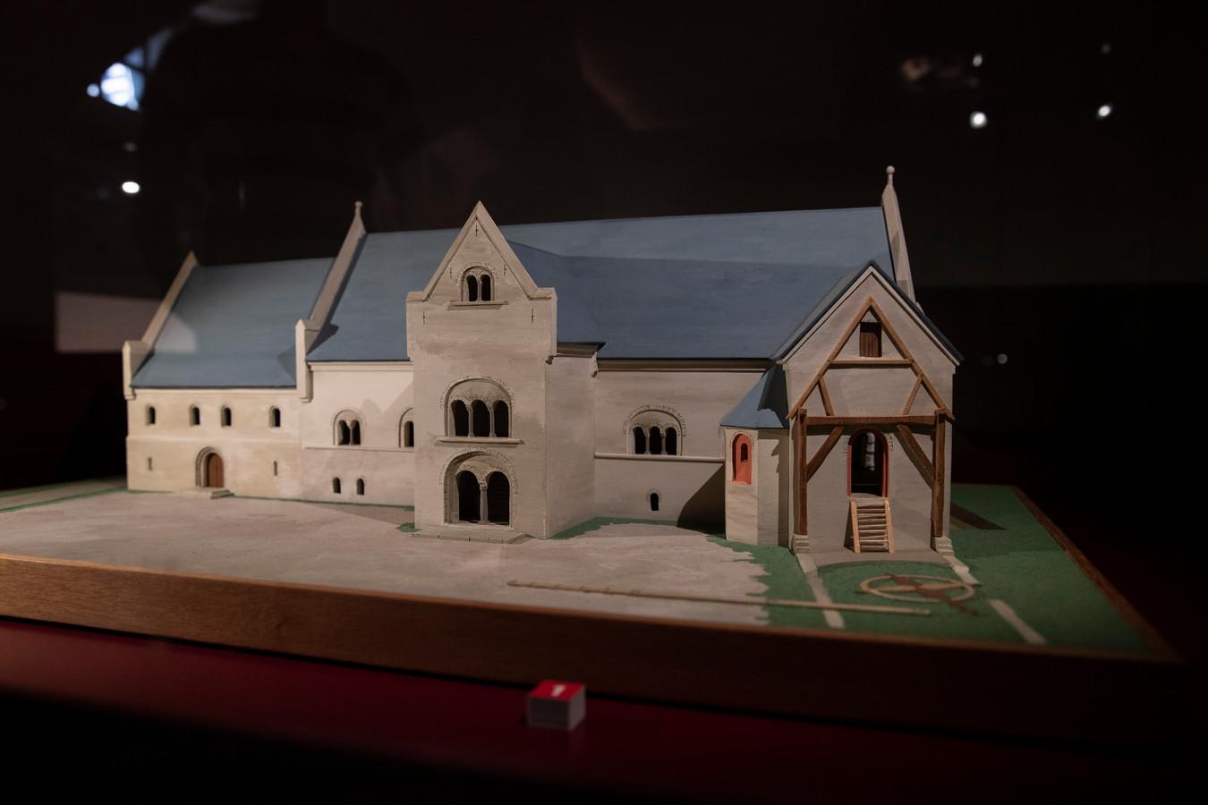 Het is lastig voor te stellen, maar honderden jaren geleden stond er midden in het centrum van Zutphen een groot paleis.