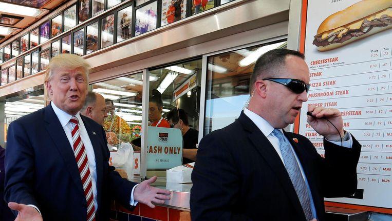 Donald Trump op campagne in Philadelphia. Beeld Reuters