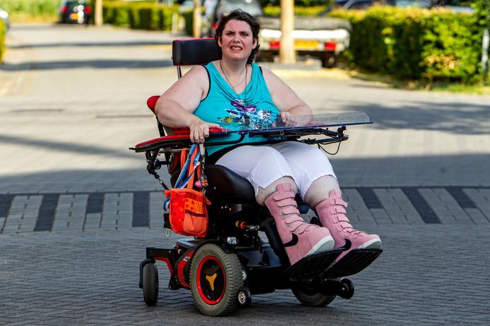Taxi Ordelman Epe geeft inmiddels toe dat Karin de Groot uit Deventer niet achtergelaten had mogen worden.