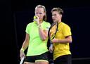 Kiki Bertens and Demi Schuurs tijdens de dubbelfinale in Brisbane in januari dit jaar.