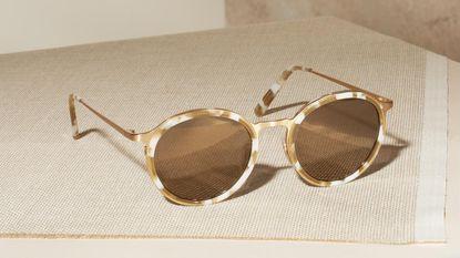 NINA zomert: een out-of-office-collectie zonnebrillen