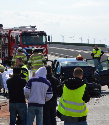 Verkeerschaos rond Ketelbrug na dubbel ongeval