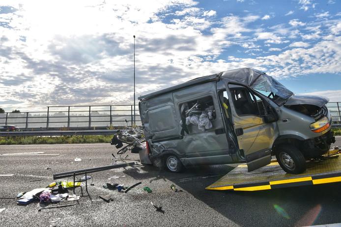 Ongeluk op A16 bij knooppunt Princeville.