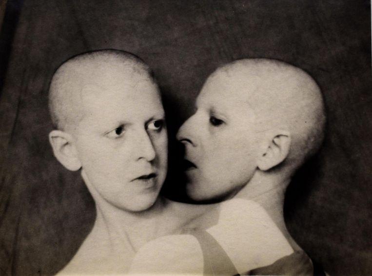 Que me veux-tu (uit 1928) van Claude Cahun. Beeld Peter Horree / Alamy Stock Photo