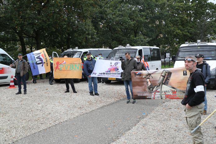 Demonstranten van NVU