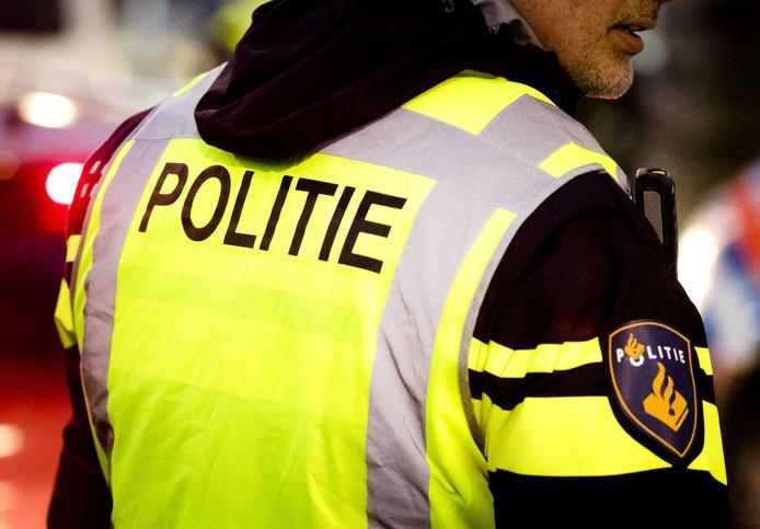 De Rotterdamse politie gaat patsers hun merkkleding afpakken als ze niet kunnen uitleggen hoe ze die hebben betaald.