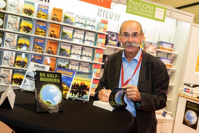Auteur Ludo Geluykens is tevens voorzitter van kunstkring Gouden Handen.
