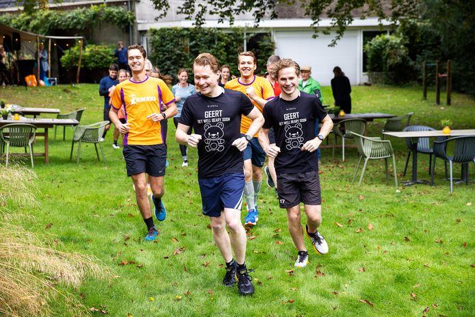 De marathon voor Geert in Vessem met Sten van Riet, Hans van Loon, Xander van de Mortel en Bart van Loon (vlnr).