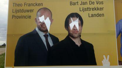 Gezichten Francken en De Vos verminkt op campagnebord N-VA