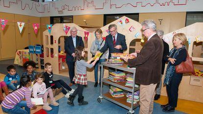 Marnixring schenkt 100 boeken aan Hummeltjes