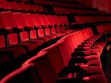 """Masqués, placés """"en damier"""", prise de température à l'entrée: comment ira-t-on au cinéma après le confinement?"""