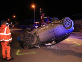 Auto overkop in Sint-Amelbergalaan: bestuurder was onder invloed