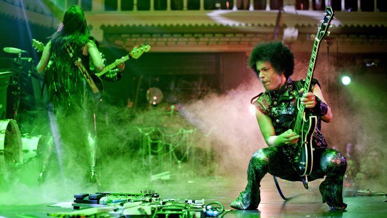 Prince in 2013 tijdens een verrassingsconcert in Paradiso. Beeld anp
