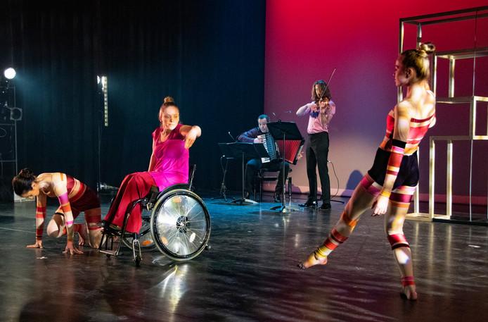 150 jaar Factorium. 'Circle of Talent', show tijdens het festival vanwege het 150 jaar muziekonderwijs in Tilburg.